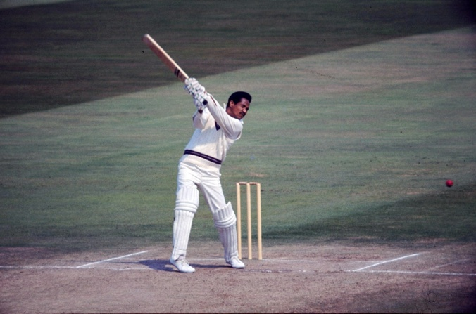 Garry Sobers: emptied bars whenever he batted© Getty Images