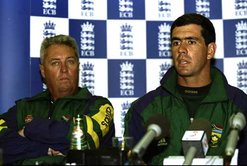 Bob Woolmer and Hansie Cronje address a press conference at Lord's, May 1998 ©Getty Images