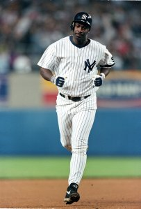 10 Sep 1999: Chili Davis of the New York Yankees rounds the bases after hitting a home run against the Boston Red Sox at Yankee Stadium in Bronx, New York. The Red Sox defeated the Yankees 4-1. Mandatory Credit: Ezra O. Shaw /Allsport