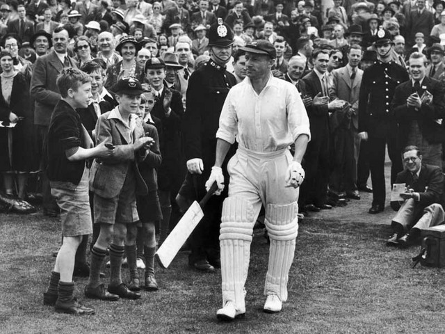 Sir Donald Bradman (Photo credit: Getty Images/Fox Photos)