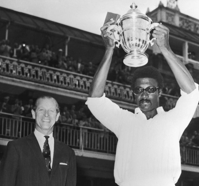 Clive Lloyd hoists the World Cup after West Indies defeated Australia in the 1975 final at Lords, June 21, 1975 ©Getty Images